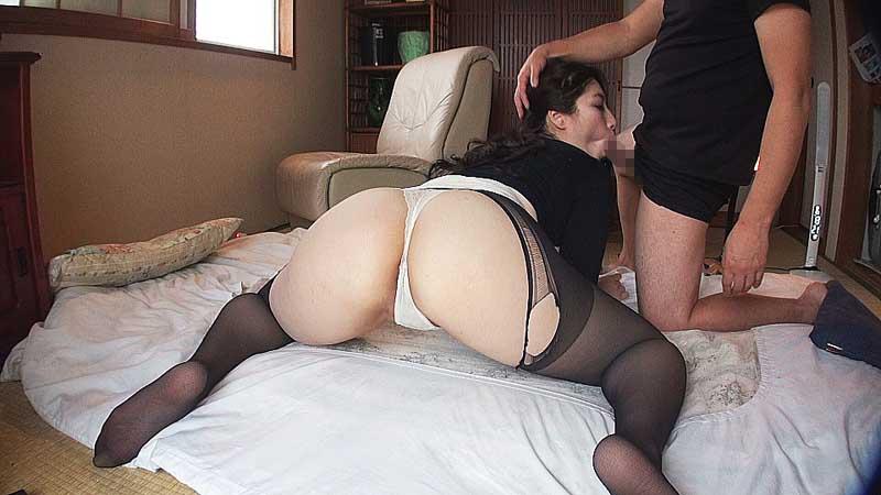 長身巨乳主婦の濃密交尾 KIZ-001