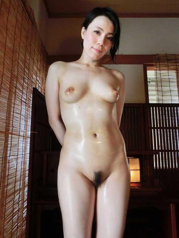 交尾する長身熟女 KHJ-001