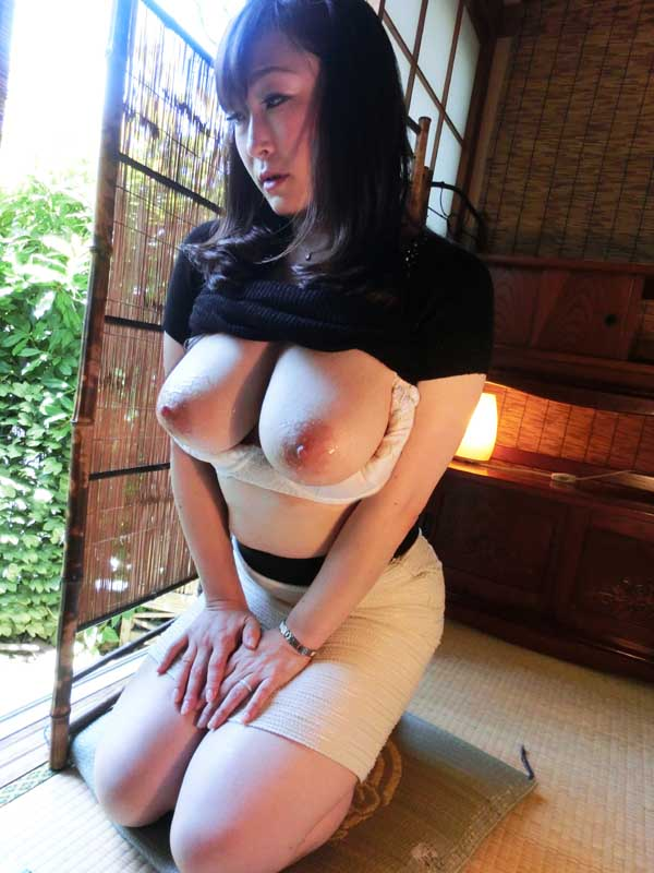 超敏感乳首絶頂巨乳妻 JKW-011